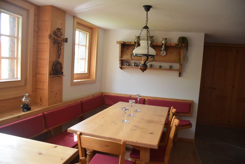 Küche mit grosser Sitzecke