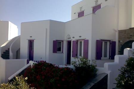 Fuchsia Sea View Villa - Άγιος Σώστης