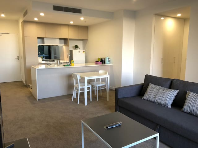 CBD apartment inside building parking&WI-FI