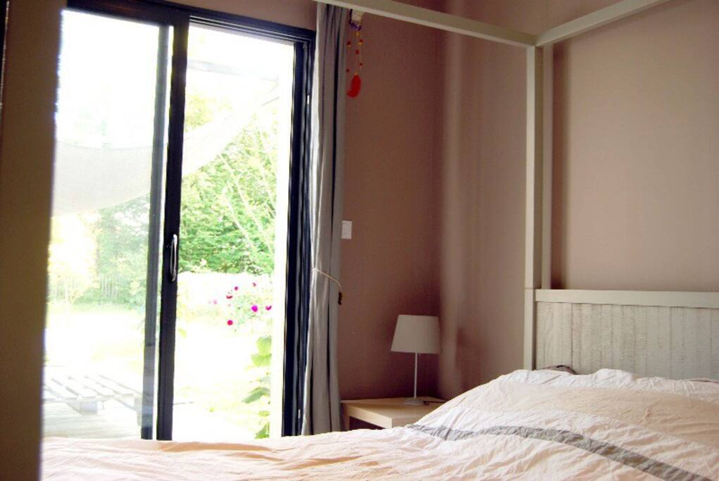 Chambre avec dressing et salle de bain attenante
