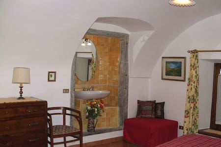B&B/unit to rent in North Tuscany - Traverde