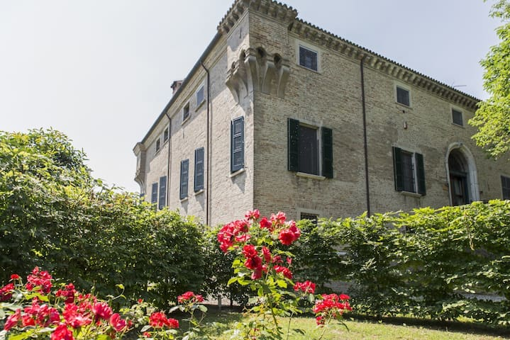 Carming and relax suite in villa with pool - Ravenna - Daire
