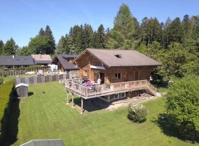 Appartement dans Chalet entre lac et montagne