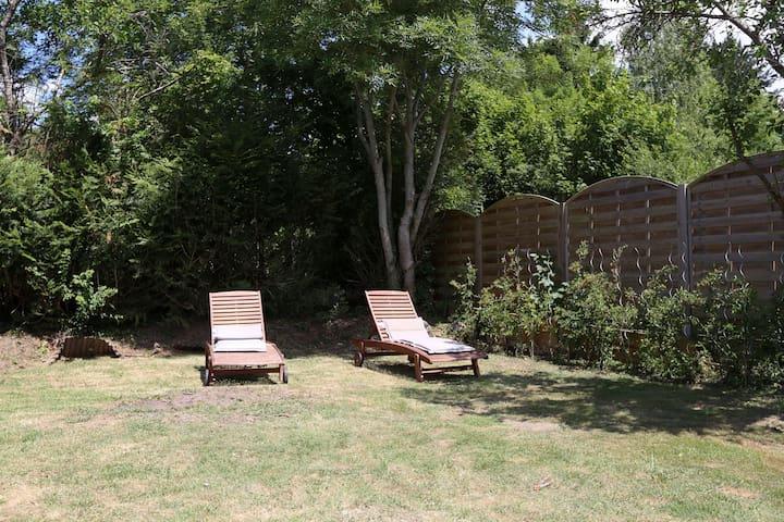 Chambre calme ds maison de village - Saint-Cyr-sous-Dourdan - Casa