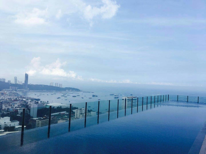 两卧海景套房25seaview flat the Base Central Pattaya 沈