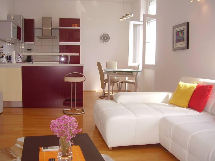 Apartment J&M Centre 4*