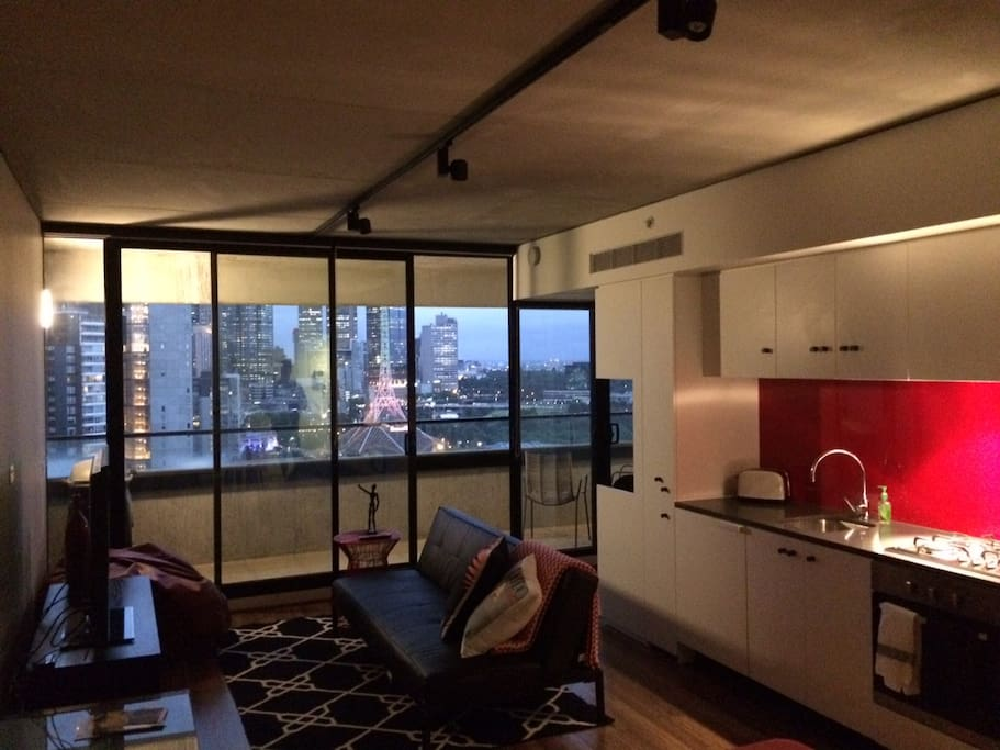 Lounge/kitchen views at dusk