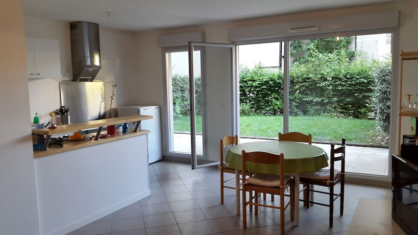Salle à manger avec terrasse