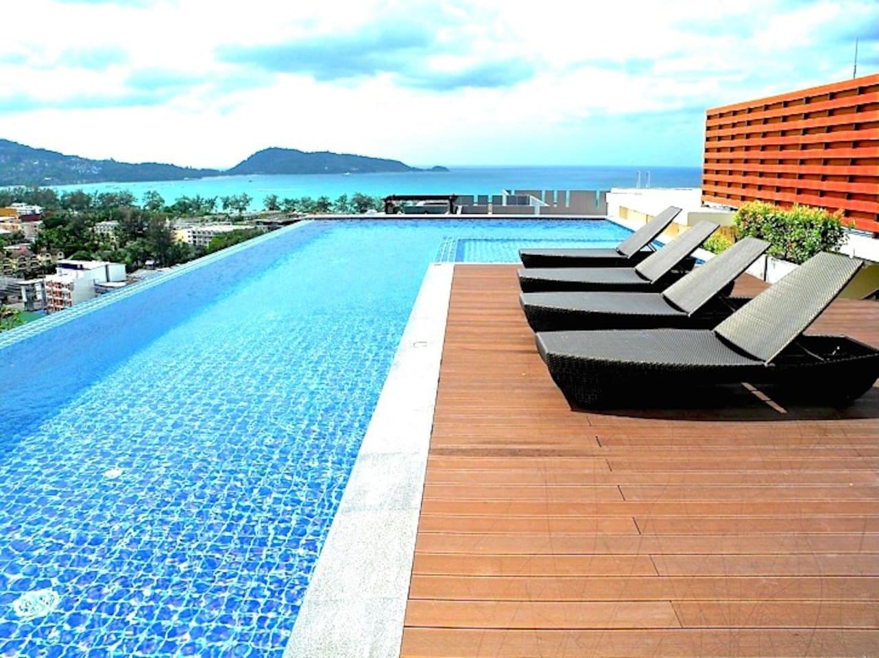 Sun Loungers / Swimming pool