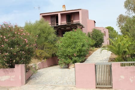 Villa in private garden 200 meters from the beach - Golfo Aranci