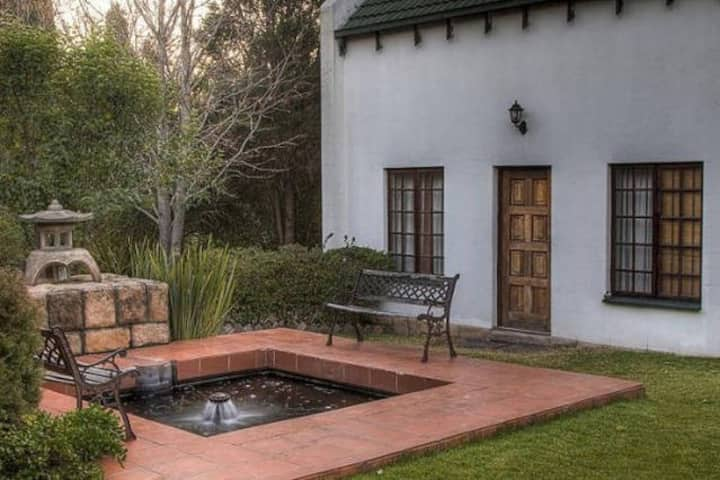 Secluded garden family room, Sunninghill Sandton