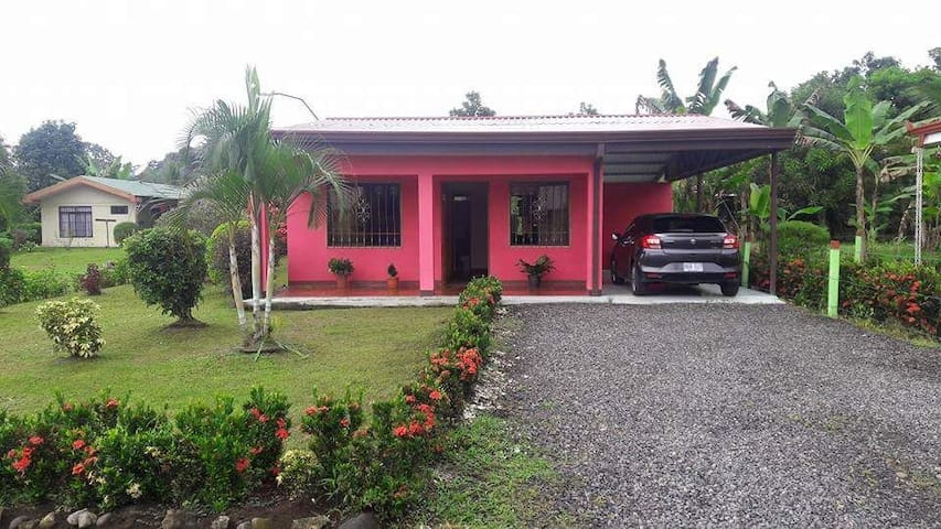 A & G La Fortuna Guest House / Arenal Volcano