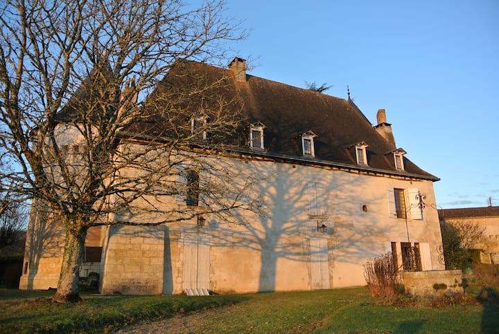 """Chambre """"Baie des Anges"""" dans château + SDB privée"""