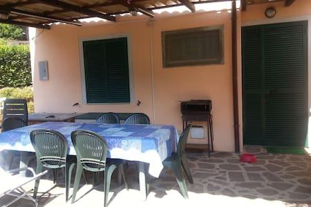 AFFITTO PRIMA QUINDICINA DI LUGLIO - capoliveri  - 公寓