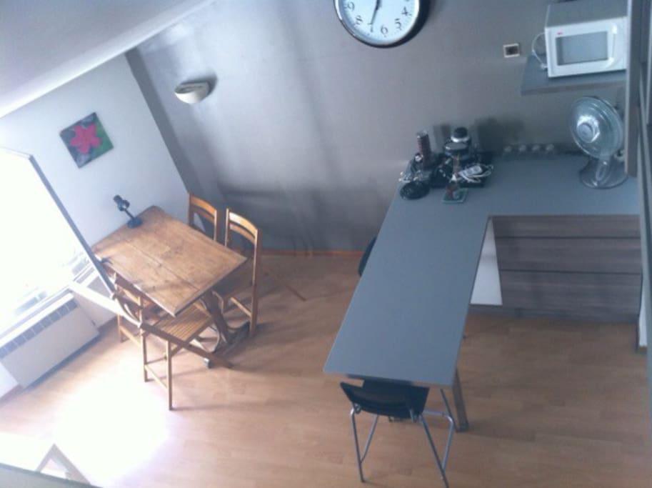 Salon et cuisine vu de la Mezzanine