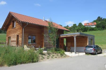 Gemütliches Holzhaus im Grünen - Wangen im Allgäu
