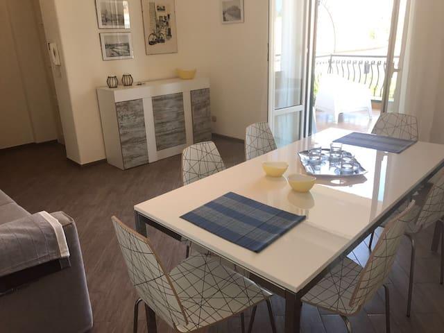 Casa con terrazza a Mondello