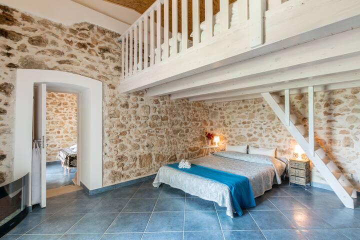 Affascinante casa immersa nel verde - Chiaramonte Gulfi (RG) - วิลล่า