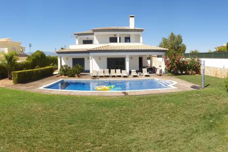 Beautifull Villa with swimming pool