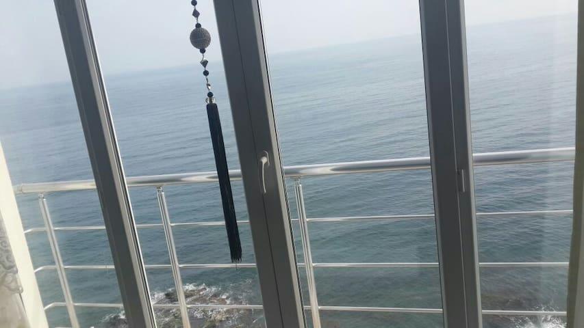 Denize sıfır 3+1 daire lüks daire - Mersin Belediyesi - Pis