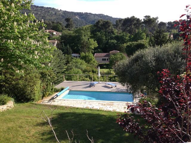 Aubagne en Provence, villa 4 chambres avec piscine - Aubagne - Villa