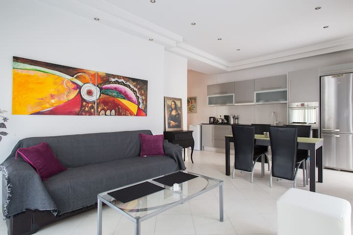 Glyfada luxury Apartment