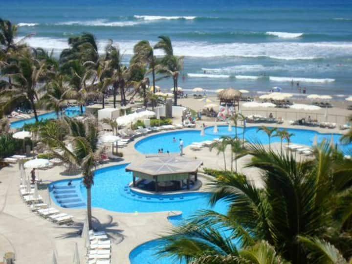Depto. Acapulco Diamante Club de Playa y Casa Club