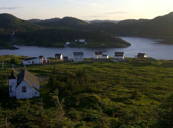 Authentic Salt Box Home-Twillingate