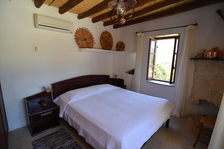 Two-Bedroom Apartment (Aphrodite Suite)