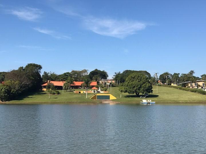 Casa de Avaré - lazer privativo a beira da agua.