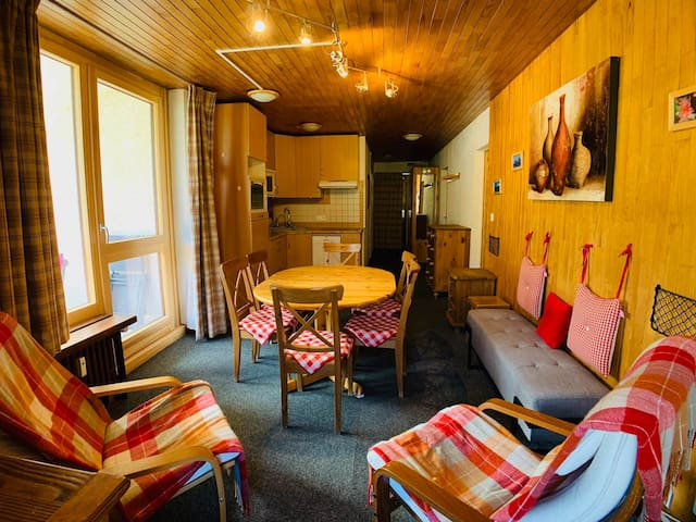 GPRE10 cosy 2 bedrooms with WIFI & 1 parking place  in Tignes le Lavachet
