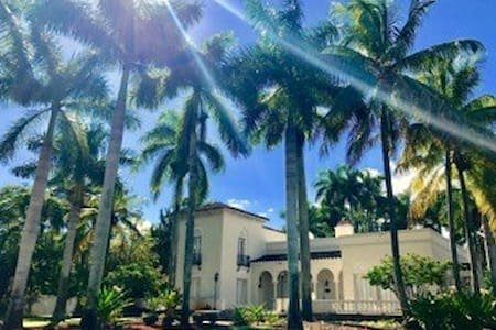 The Cottage by Mizner