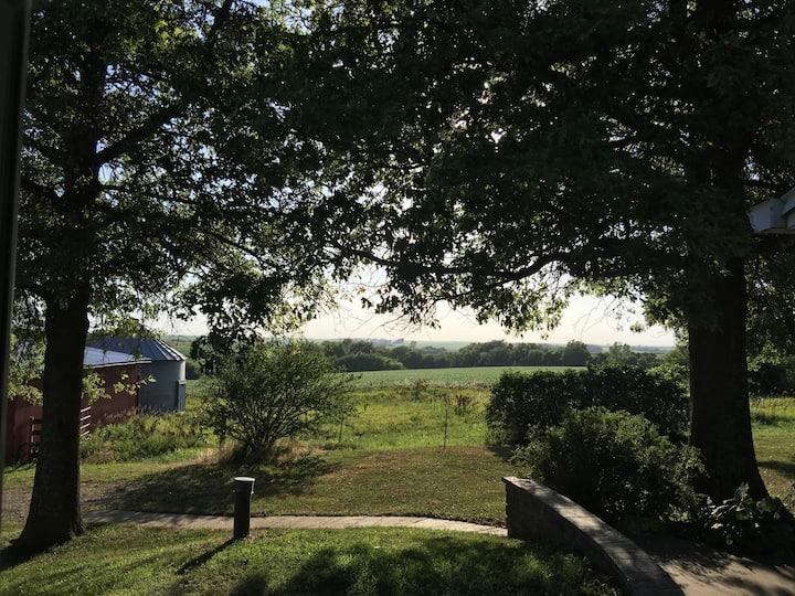 NE Kansas - Quaint House in the Country