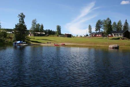 9 pers  vakantiehuis met sauna aan het meer.