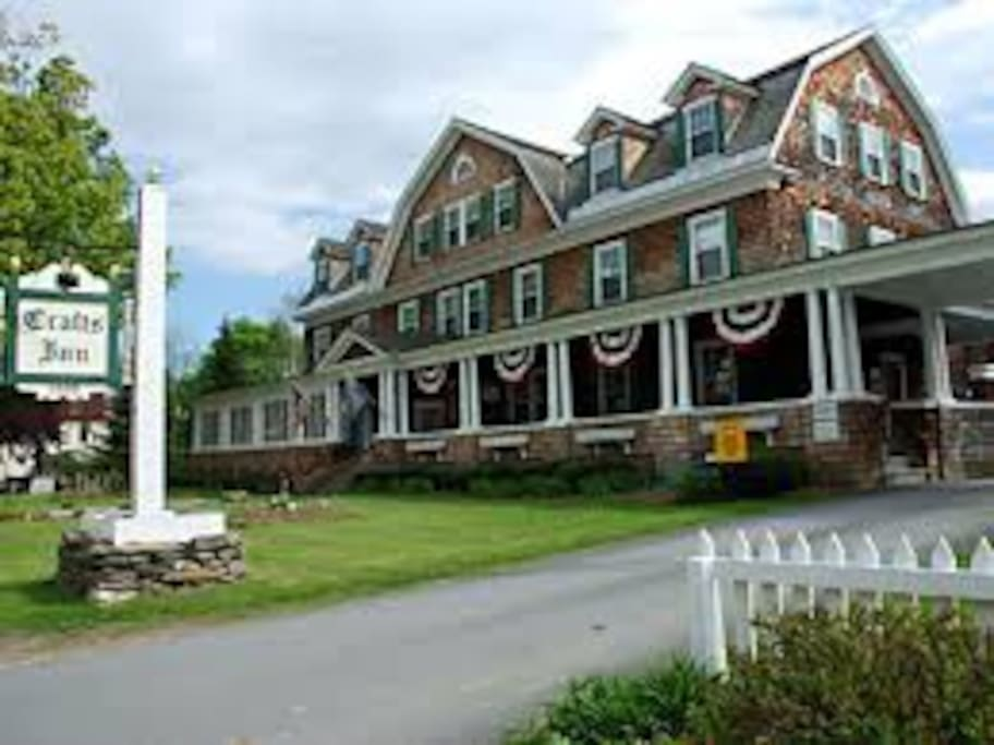 The craft 39 s inn wilmington vt apartments for rent in for Crafts inn wilmington vt
