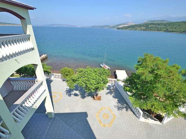 Apartment with fabulous views, Lucija