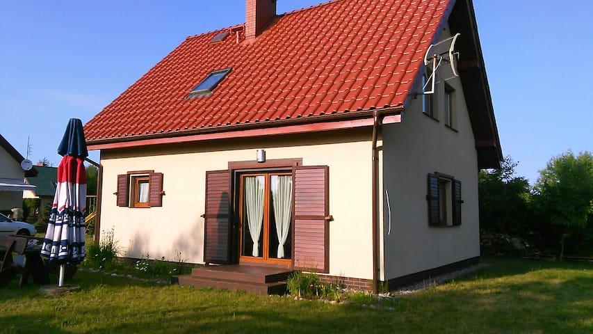 Bursztynowy Domek - Lubiatowo - Casa