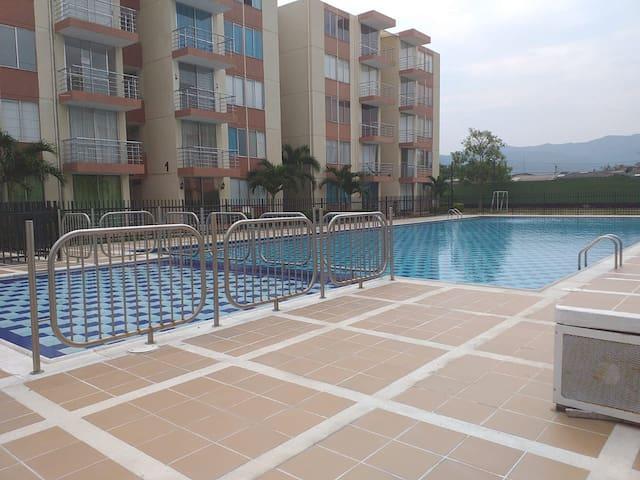 Apartamento Flandes Tolima, Conj Vallesue 1piso