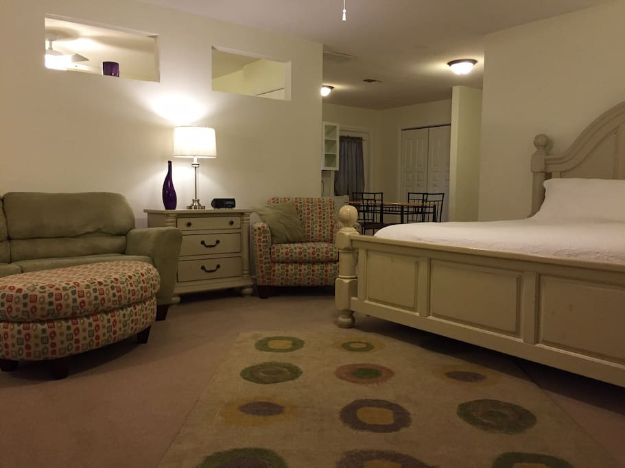 Chandler Suite--2 Rooms sleeps up to 6