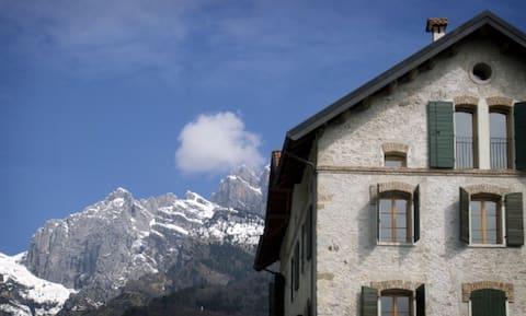 Hostel-Lodge Altanon, Belluno's Dolomites