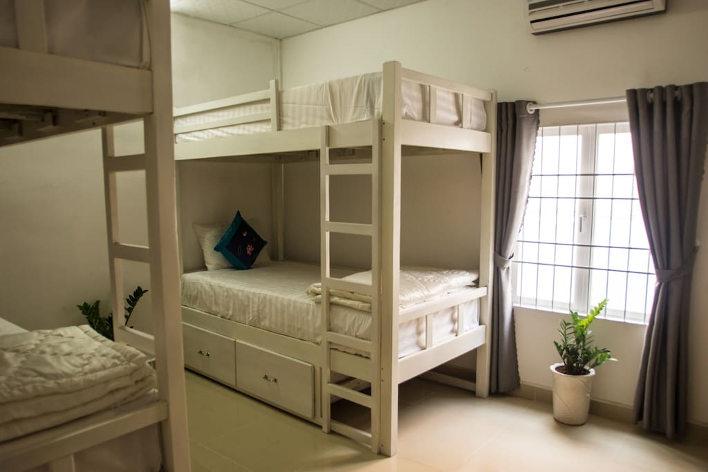 2 Bunk Beds with air-con