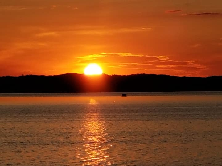 Sunset Cabin on Cotton Lake