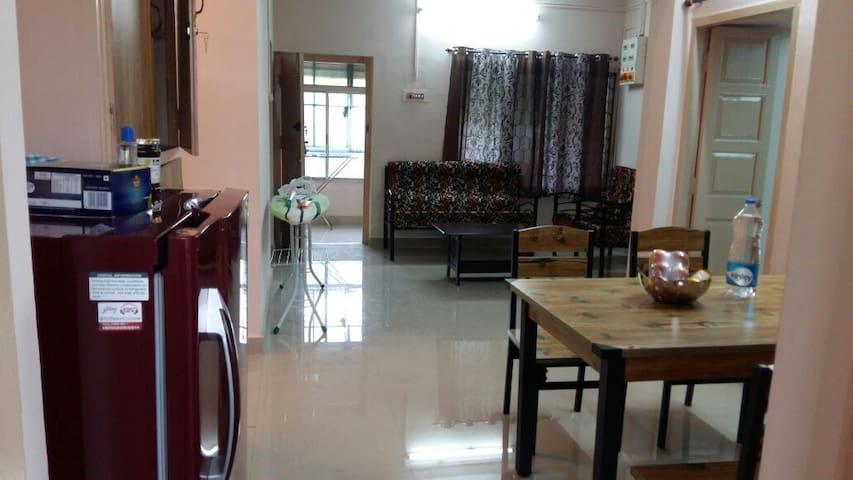 3 BHK entire apt, Chennai near Beach, Besant nagar - Chennai - Appartement
