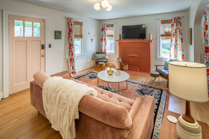 Shandon Peach Pad, 2 BR Apt w/ King Beds Downtown