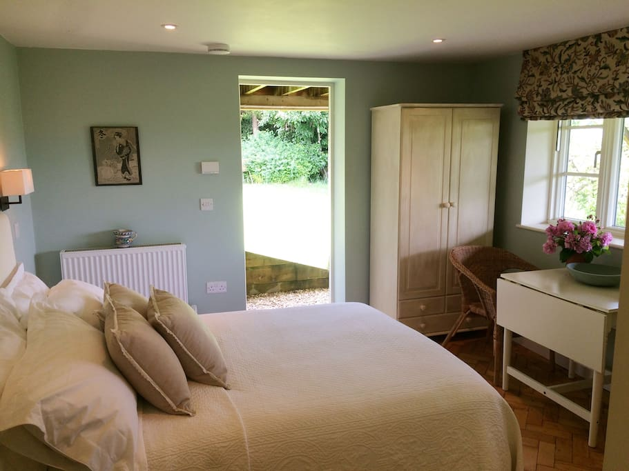 Own entrance to room and large lovely garden where you can sit and have a glass.