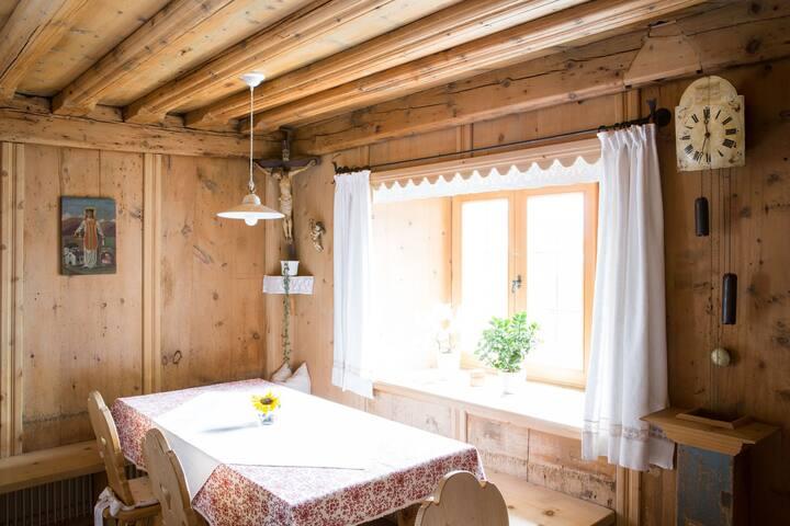 Sonniges Zimmer mit Talblick inkl. Frühstück