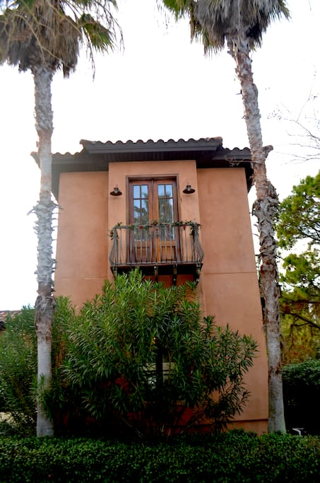 Guest home located upstairs; stargazing from the balcony is fantastic!