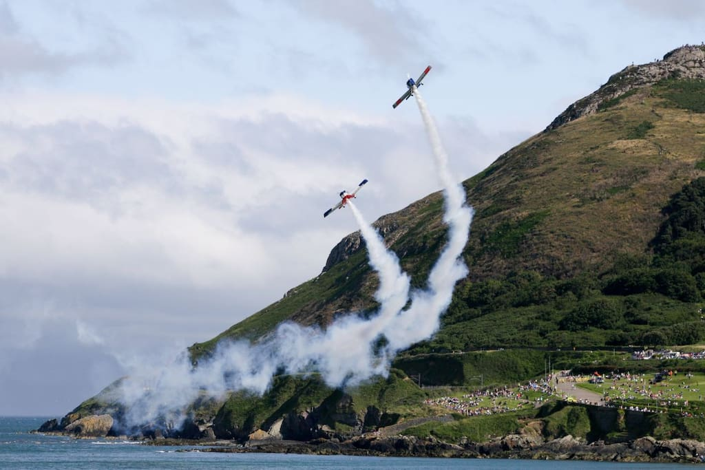 visit the spectacular Bray Air Show Sun 24th July 2016