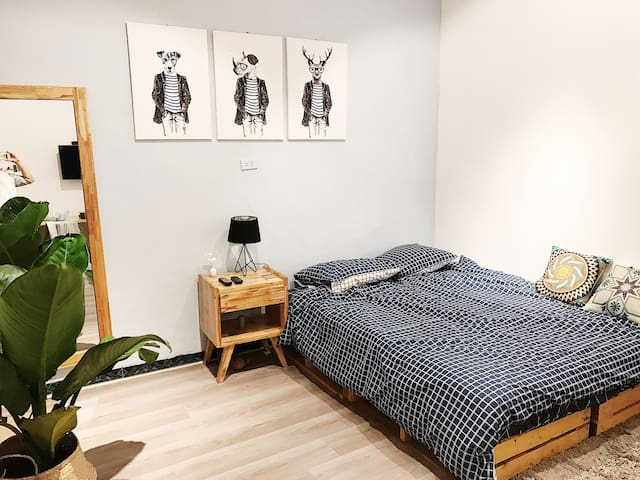 62HB03 Private&Comfy Bedroom, Street Food