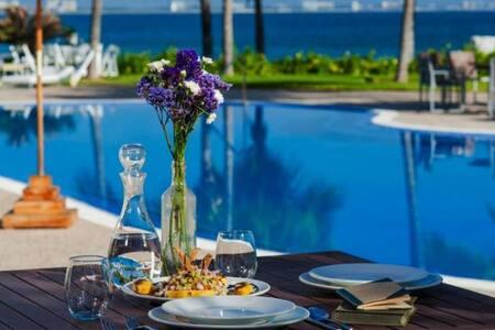 Villa Favorita #302,  con playa y SPA.